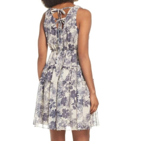Lenon Dress Floral V-Neck Tiered Tie Back